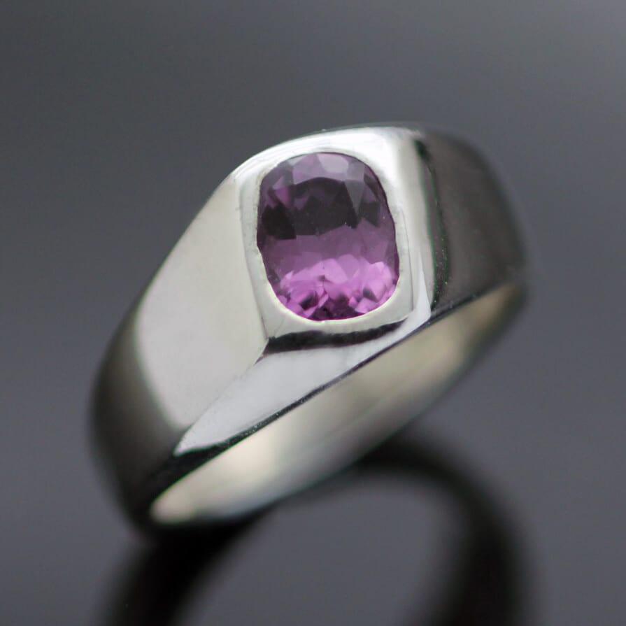 Modern silver signet ring mali garnet gem