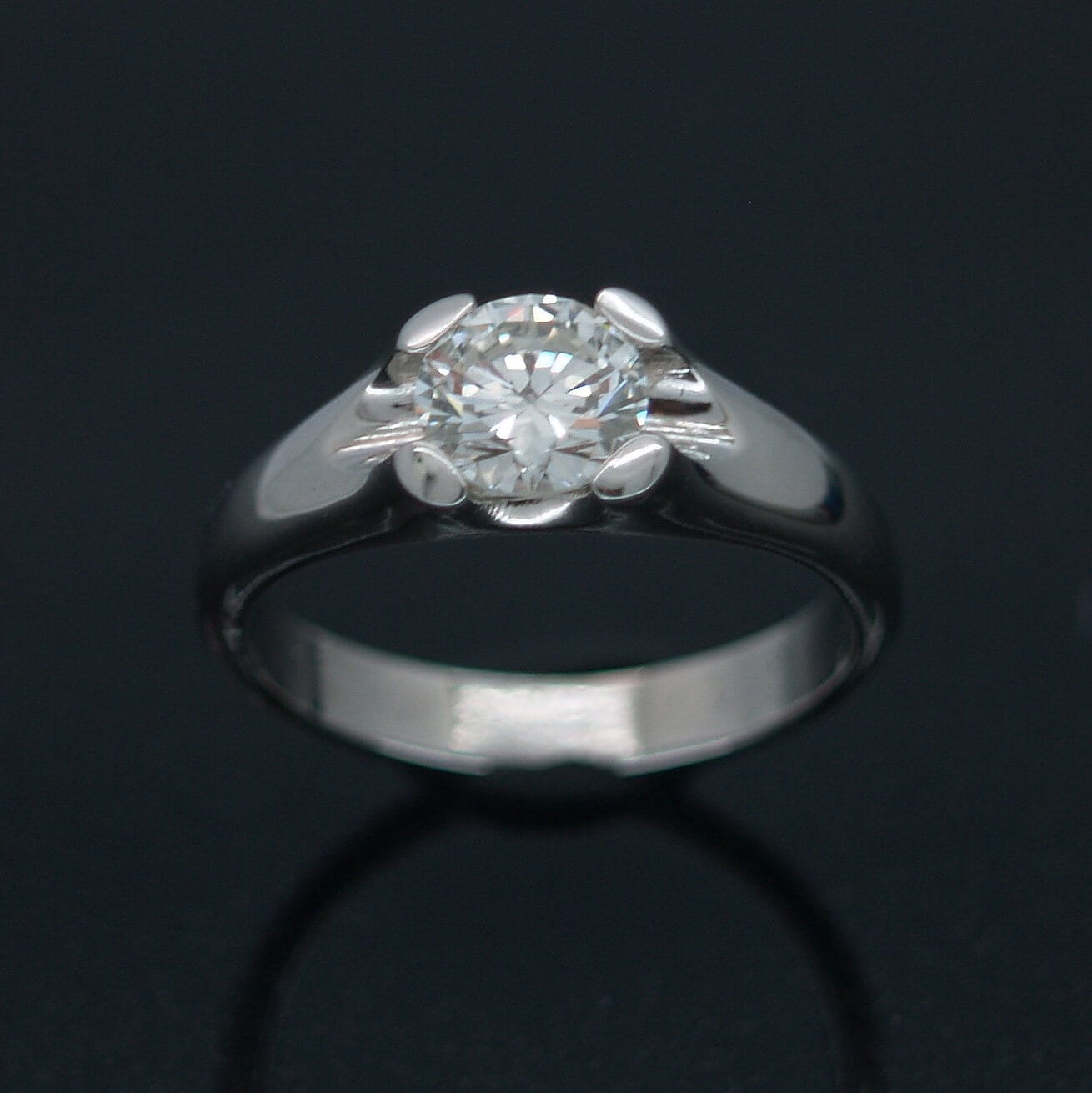 Modern Palladium and Round Brilliant cut Diamond bespoke engagement ring by Julian Stephens
