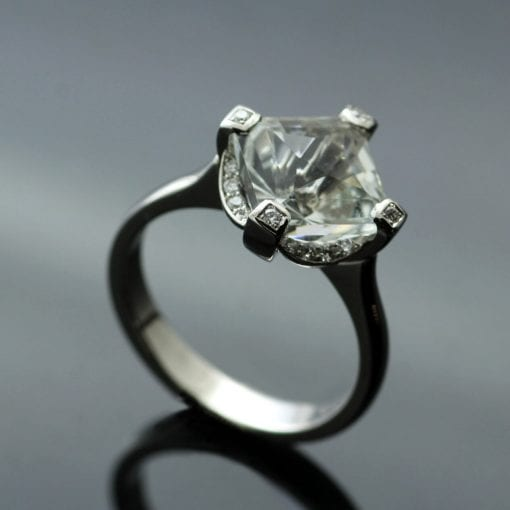 Bespoke engagement rings by Julian Stephens