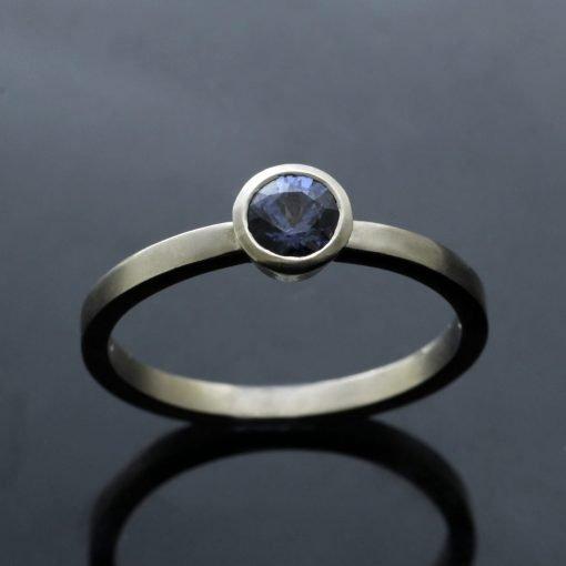 Handmade White Gold modern ring Blue Sapphire gemstone