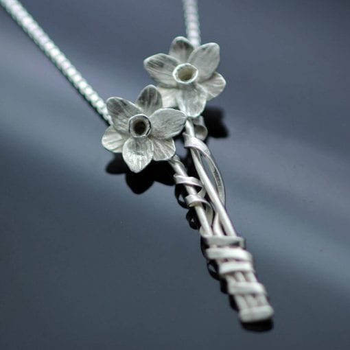 unique design hand made daffodil silver necklace