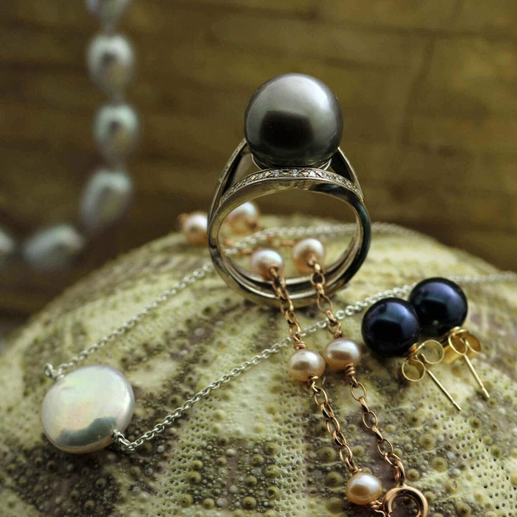 Modern Pearl Jewellery designs by Julian Stephens Goldsmith