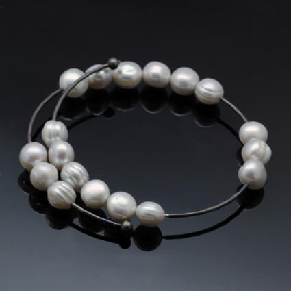 Silver White Pearl contemporary bracelet