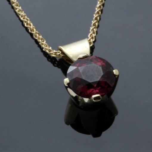 Round Brilliant Garnet birthstone Yellow Gold handmade modern pendant