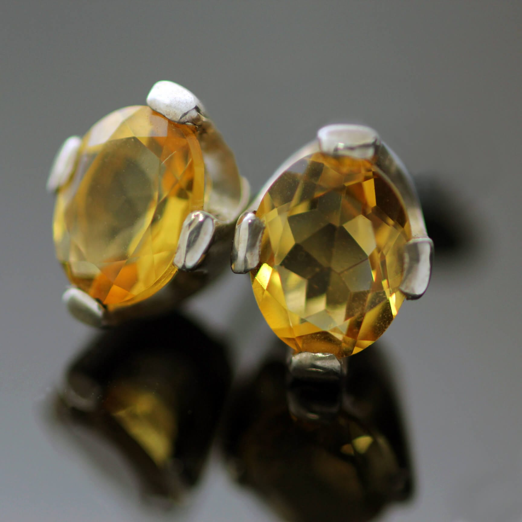 Oval cut Sterling Silver Citrine gemstone stud earrings