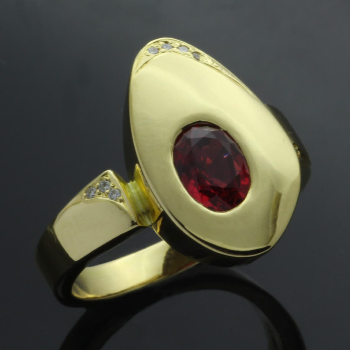 Unique modern statement ring Yellow Gold, Diamonds and Oval cut Red Spinel gem