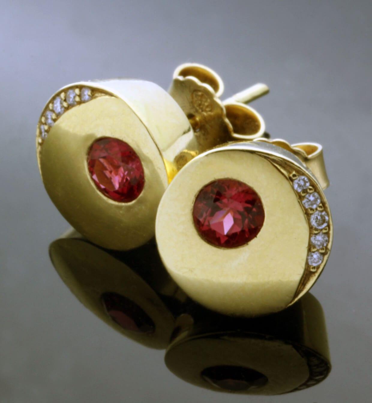 Handmade modern stud earrings Yellow Gold Red Spinel and Diamond gemstones