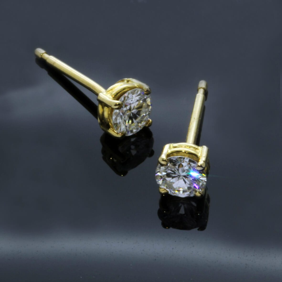 Modern handcrafted 18ct Yellow Gold Round Brilliant Diamond earrings