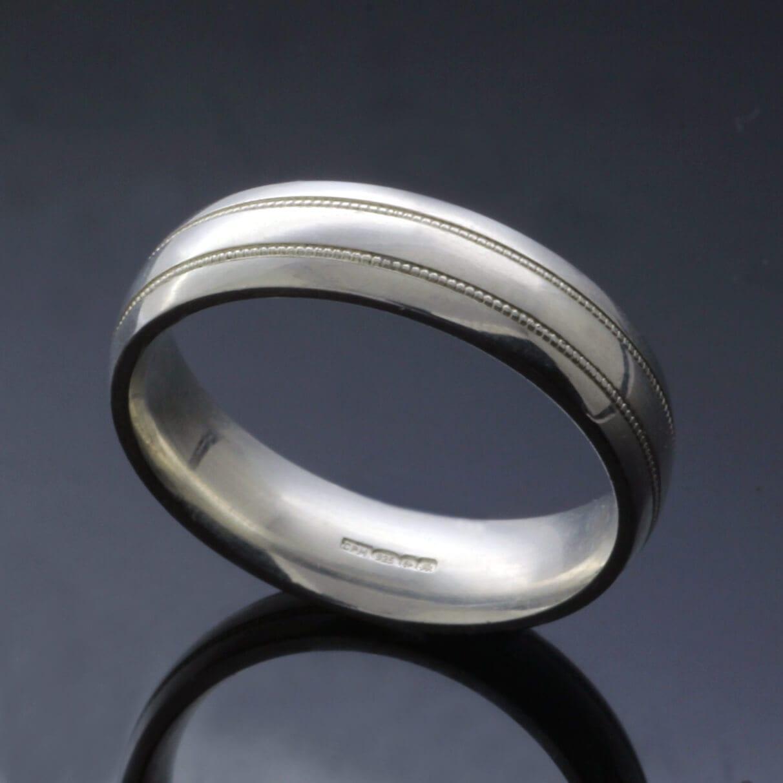 Custom made mens wedding bands lathyed detail