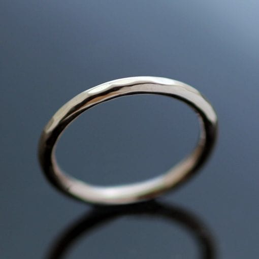 Handmade modern round band rose gold hammered