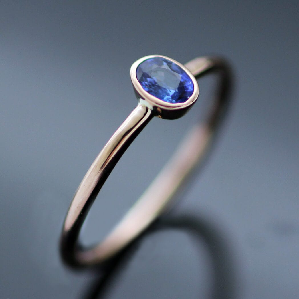 Modern gemstone Rose Gold Sapphire ring