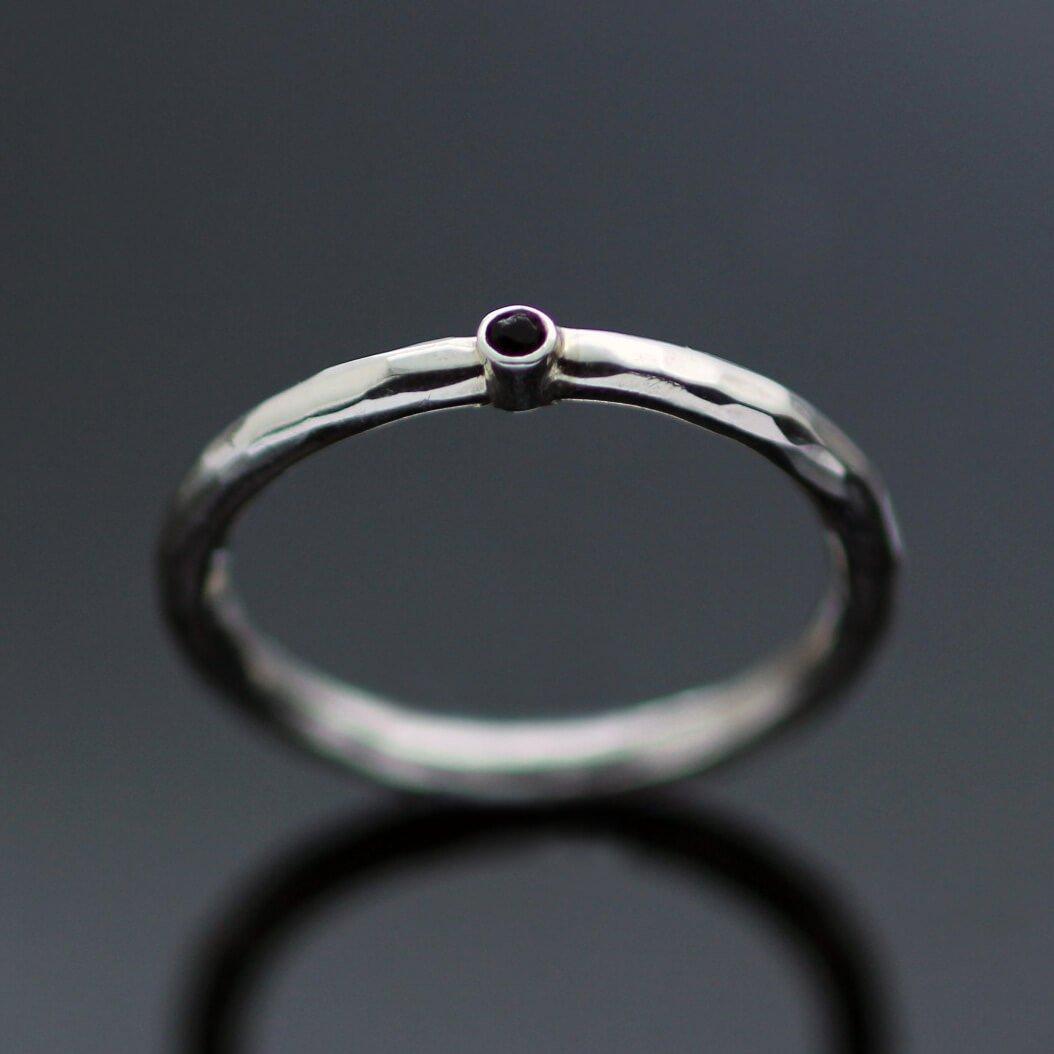 Handmade contemporary silver gemstone ring
