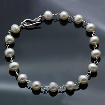 Modern white pearl sterling silver handmade bracelet