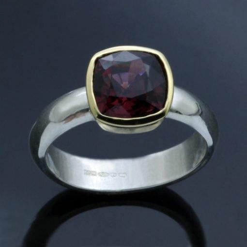Handmade gemstone jewellery cushion cut garnet yellow gold ring